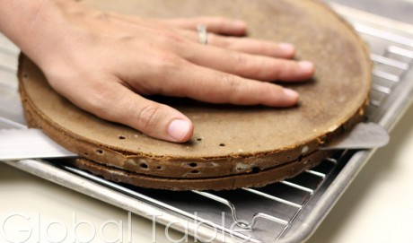 Slicing cake in half