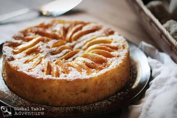 Recipe: A Dainty Apple Cake (Äppelkuch)