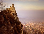 Guaita fortress and part of the city (view from above Monte Titano). Photo by Ricardo André Frantz.
