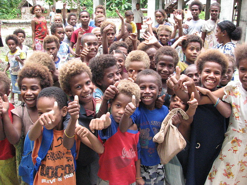 Children outside Tuo school, Fenualoa, Reef Islands, Solomon Islands. Photo by Pohopetch.