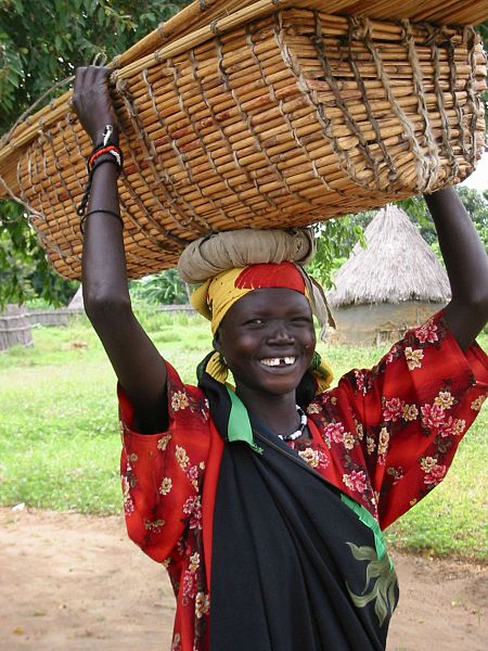 Woman from South Sudan. Photo by COSV.