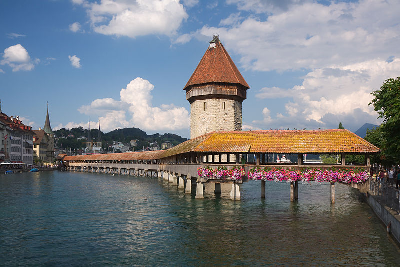 Kapellbrücke, Lucerne. Photo by Eigenes Bild.