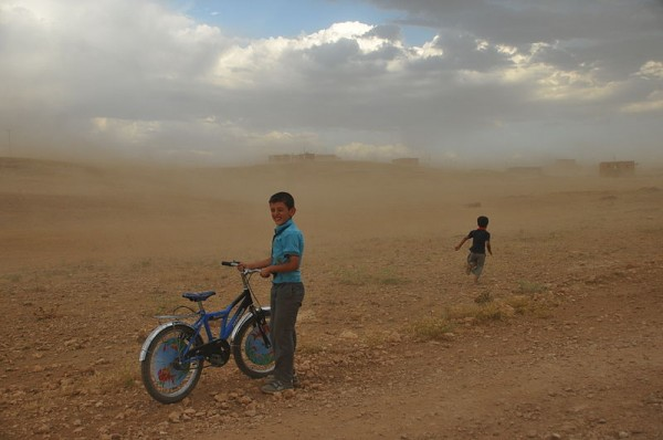 "Kurdish children in dust storm locally called ""Ecac"" at Quzêrîb. Photo by Dûrzan."