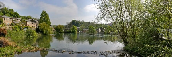 Panorama of Cromford mill pond. Photo by  Mike Peel (www.mikepeel.net)