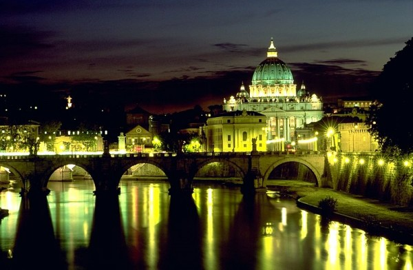 Angels Bridge and Basilica di San Pietro. Photo by Andreas Tille.