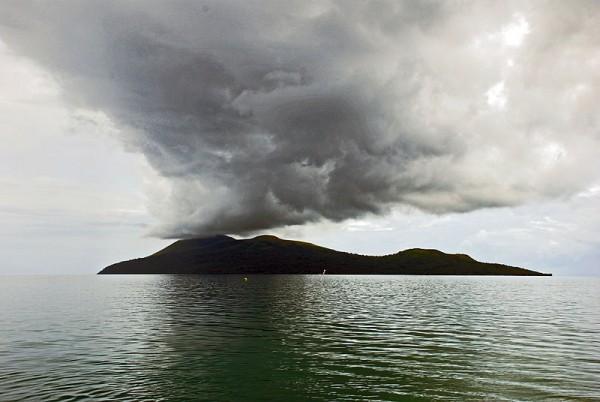 Nguna from Emua Wharf. Photo by Phillip Capper.