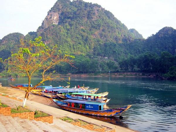 Bến sông Son. Photo by Bùi Thụy Đào Nguyên.