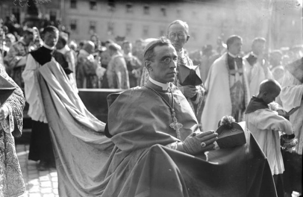 Pope Pius XII in 1924, photo from the German Federal Archives.